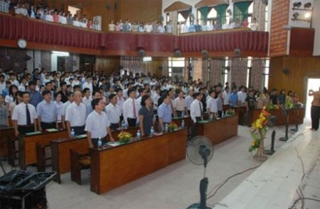 the first academy in vietnam to implement windows 8