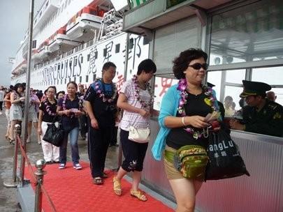 visa fee hike hotly debated at tourism conference