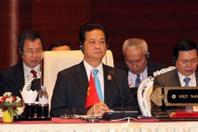 vn actively contributes to establishing asean community