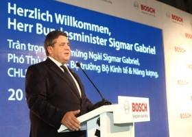 German Vice Chancellor visits Bosch vocational facility