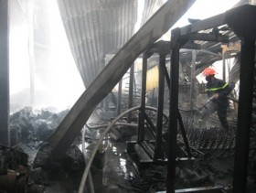 Fire destroys Tien Giang firm's property