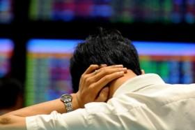 Stocks slump under heavy sell-offs