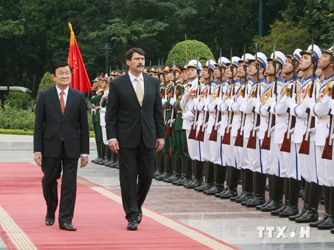 Vietnam, Hungary to mark diplomatic ties by 2015