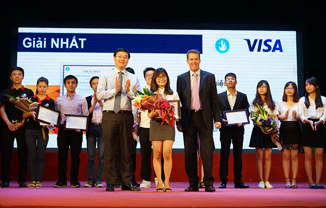 visa awards winning team in contest to raise public awareness of personal finance