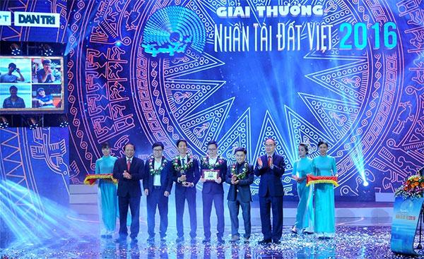 nhan tai dat viet awards honours newest batch of winning innovators