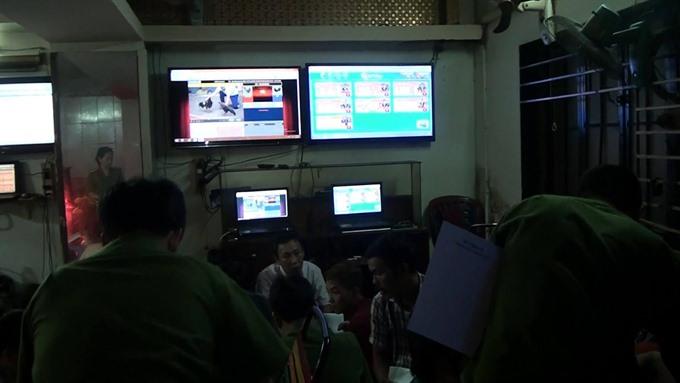 132 arrested for organising online gambling
