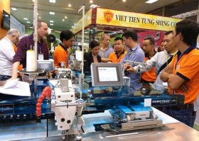 Textile industry expo kicks off in Ha Noi