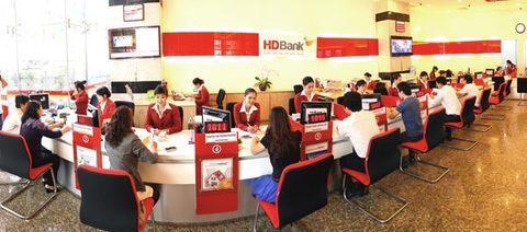 banks offer high interest rates to mobilise deposits