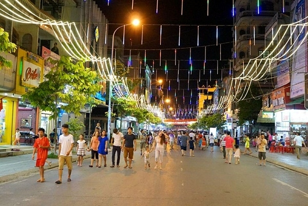hanoi to prolong hoan kiem pedestrian streets pilot