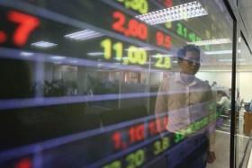 VN-Index extends gains despite VIC, VNM slump
