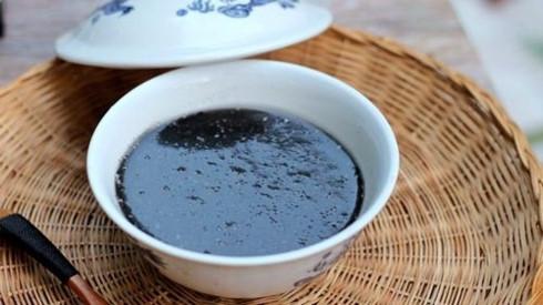 black sesame sweet soup a popular dessert in hoi an