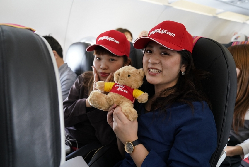 vietjets first direct flight from vietnam to japan touches down