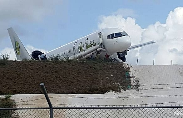 toronto bound boeing jet crash lands at guyana airport 10 injured
