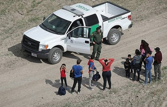 trump launches crackdown on central american asylum seekers