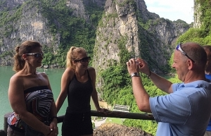 number of foreign tourists grows rapidly but average spending rises slowly
