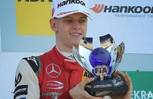 mick schumacher eyes macau grand prix challenge in f3