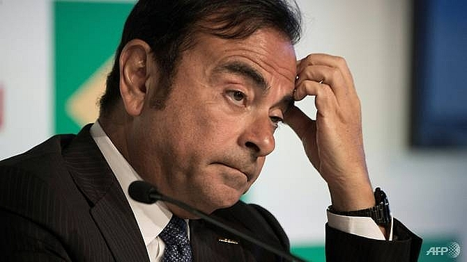 nissan shares plunge as ghosn faces ouster after arrest