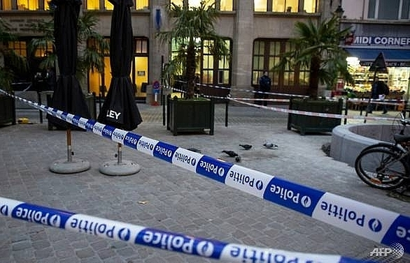 attacker critical after stabbing outside brussels police station