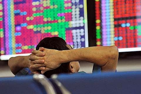 shares sink on global slump