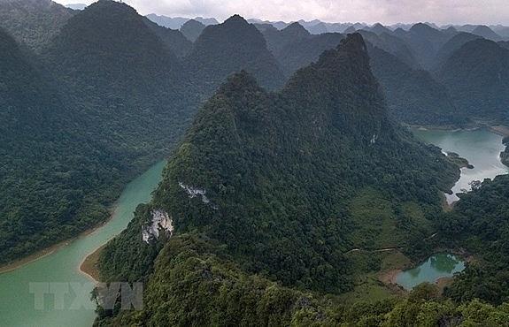 non nuoc cao bang receives unesco global geopark status