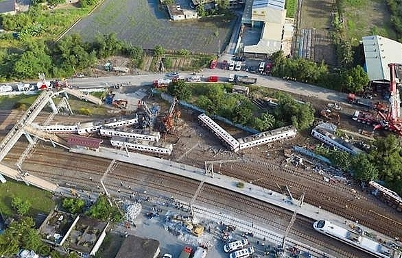 speeding blamed for fatal train crash in taiwan