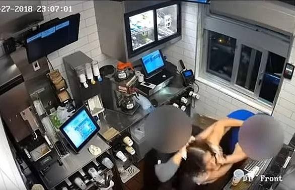 not enough ketchup us woman attacks mcdonalds manager