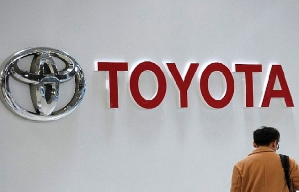 us trade secretary says hope is to avoid new auto tariffs