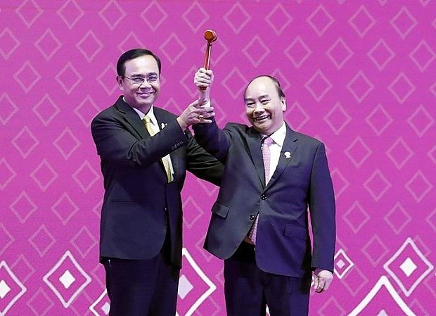 35th asean summit concludes vietnam assumes chairmanship