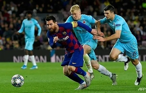 barcelona stumble to home draw against slavia