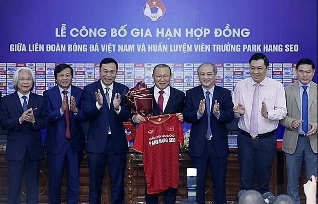 park hang seo to coach vietnam until 2022