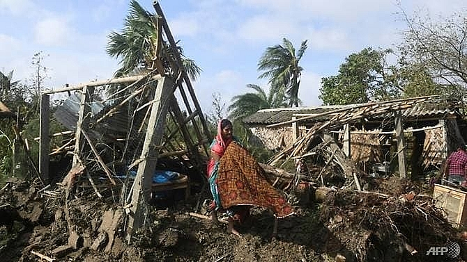 cyclone death toll rises to 24 in bangladesh india