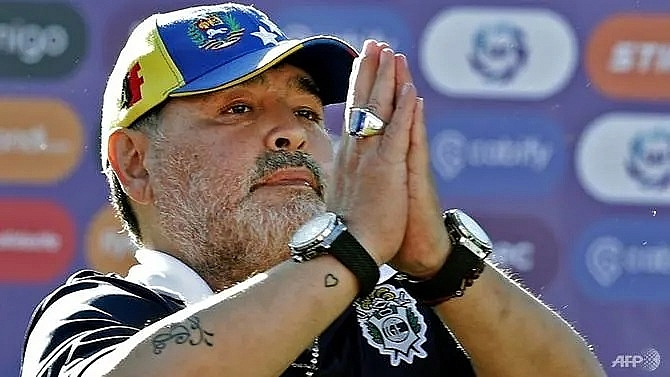 maradona quits as coach of argentinas gimnasia