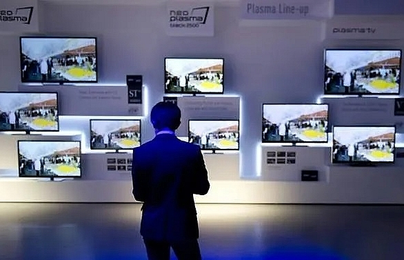 panasonic to stop lcd panel production