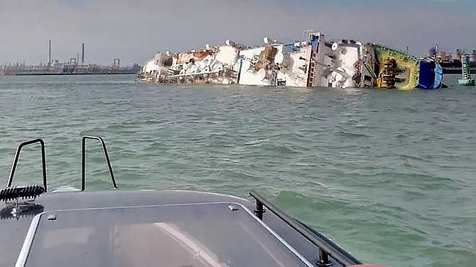 ship with 14600 sheep aboard capsizes off romania