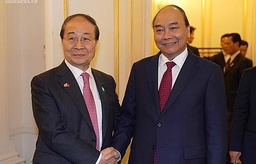 pm receives rok vn friendship association president
