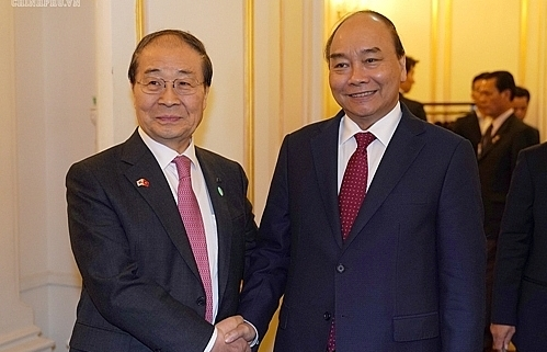 pm receives rok vn friendship association president