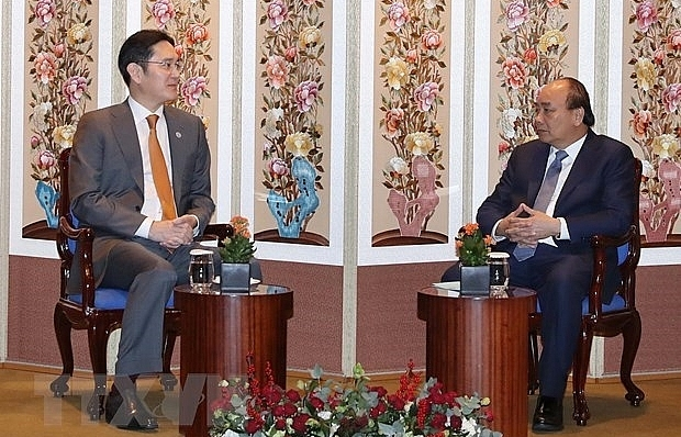 pm phuc meets leaders of rok groups
