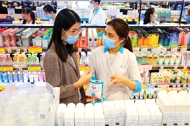 1517 p24 hanoi promotion month gets shoppers in a festive frenzy