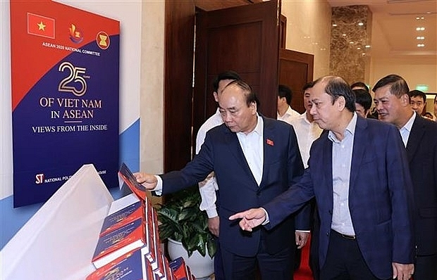 prime minister nguyen xuan phuc to chair 37th asean summit