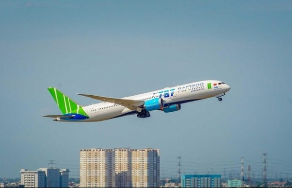 airlines cancel central region flights as storm etau approaches