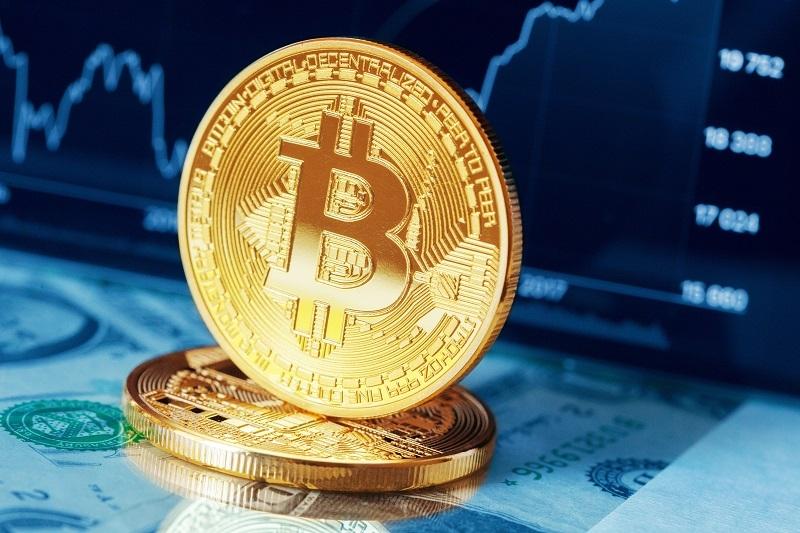 bitcoin breaches 17500 dollars in risk on market
