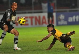 aff cup laos stun thailand indonesia crush malaysia
