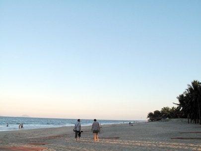cua dai beach second call for hoi an tourists