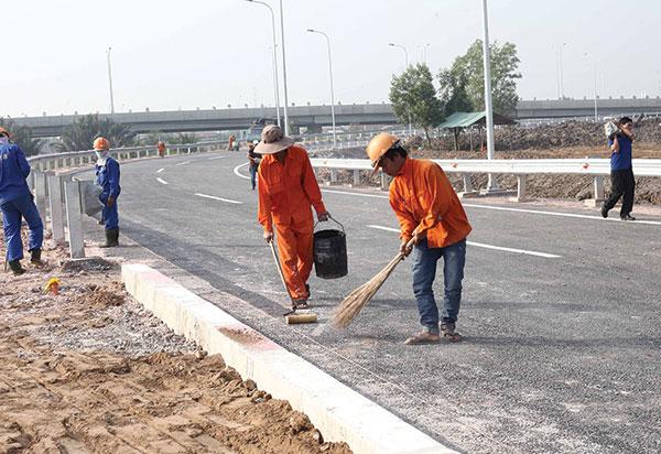 Ministry shames shoddy contractors
