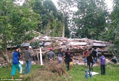 no vietnamese killed injured in indonesia earthquake