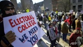 Electoral College convenes to confirm Trump's victory