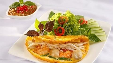 Khoai cake (stuffed omelette), travel news, Vietnam guide, Vietnam airlines, Vietnam tour, tour Vietnam, Hanoi, ho chi minh city, Saigon, travelling to Vietnam, Vietnam travelling, Vietnam travel, vn news