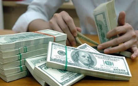 Vnd Holds Steady After Us Rate Rise Money Banking Investments Shares Stock Investing