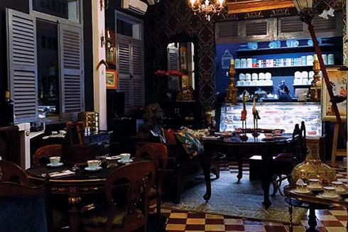 Leisure tea time in an antiquity space, travel news, Vietnam guide, Vietnam airlines, Vietnam tour, tour Vietnam, Hanoi, ho chi minh city, Saigon, travelling to Vietnam, Vietnam travelling, Vietnam travel, vn news