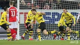 Stoeger off to winning start with Dortmund